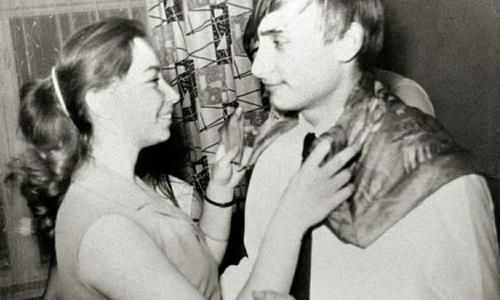 Знаменитые личности, которых не узнать в молодости: архивные фото